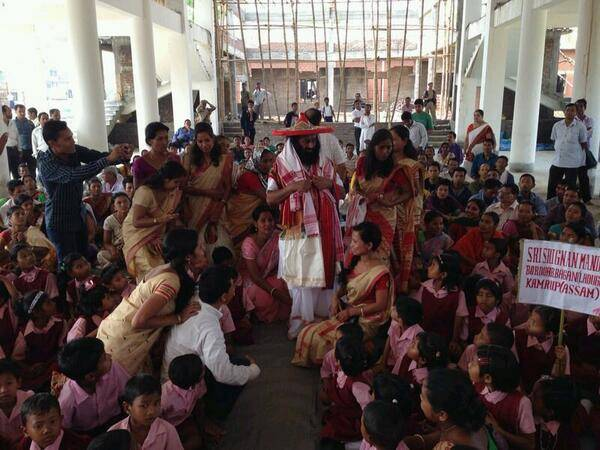 April9 - Students, Teachers meet Sri Sri