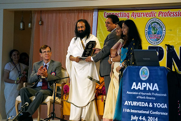 Sri Sri Ravi Shankar at the AAPNA inauguration