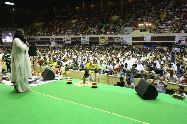 Sri Sri Ravi Shankar at VBI event at Netaji Indoor Stadium in Kolkata, WB, India - April 8, 2014