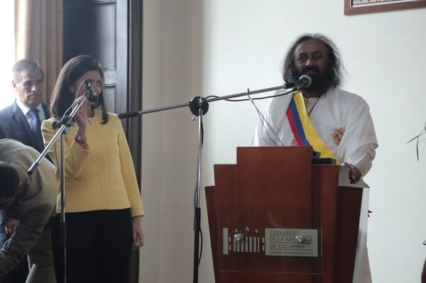 sri-sri-colombia-parliament-speech