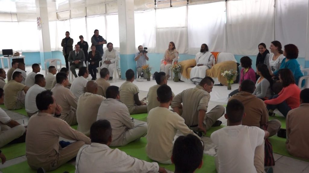 Mexico-Gurudev addresses inmates of the second largest prison in Mexico City, Reclusorio Varonil Norte