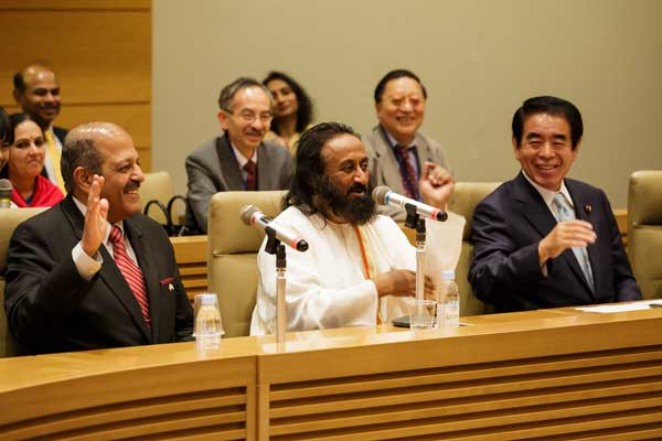 Sri Sri Ravi Shankar inaugurates Yoga Club in Japanese Parliament