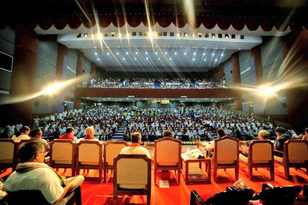 Sri-Sri-Ravi-Shankar-Strength-in-Diversity-North-East-conference-behind-stage